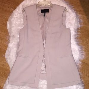 BCBGMaxazria Light tan vest size xs